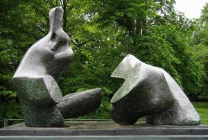 Henry Moore - Two Piece Reclining Figure No. 5