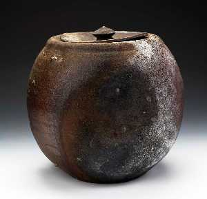 Paul Chaleff - Lidded Jarra